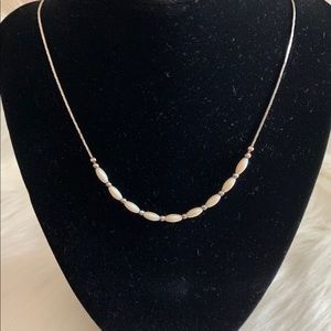 Vintage. Silvertone mother of Pearl necklace.